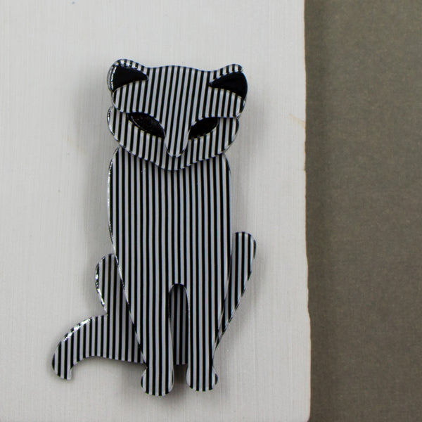 Black and white stripey resin cat brooch