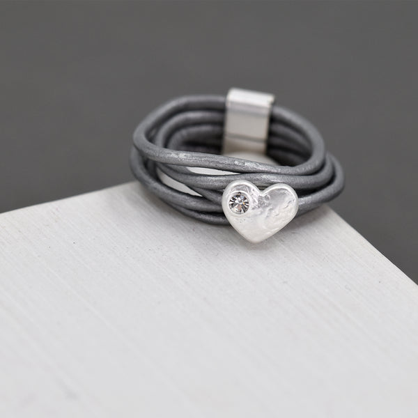 Single heart & crystal leather ring