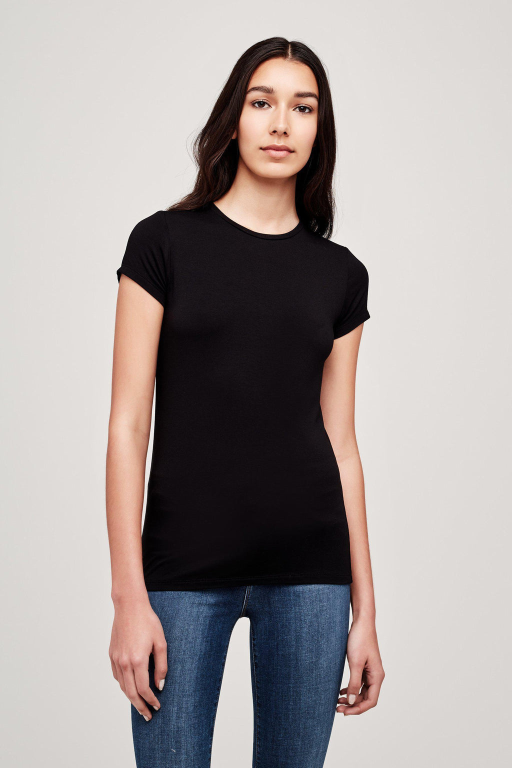 L'AGENCE RESSI CREW NECK TEE IN BLACK