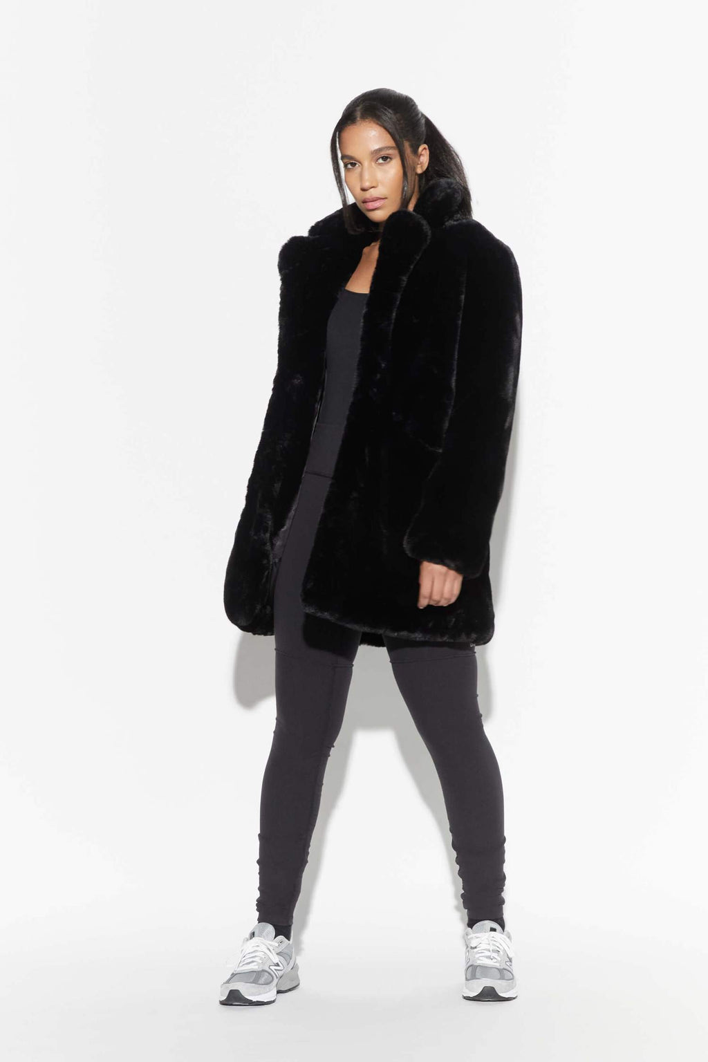 APPARIS SOPHIE FAUX FUR JACKET IN NOIR