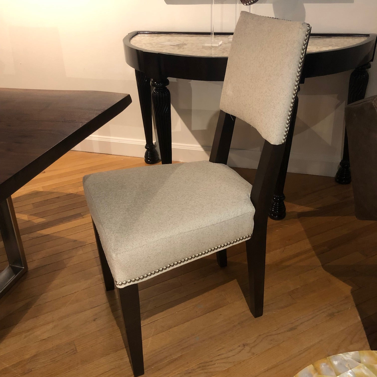 5573-01 Dining Chair