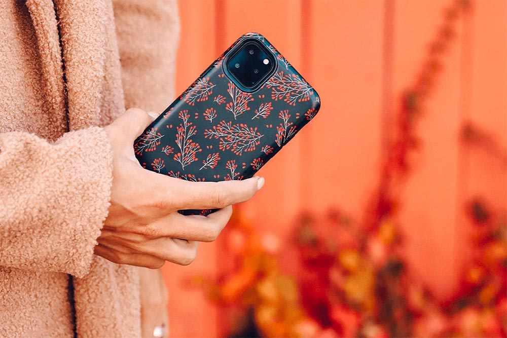 "<h1 class=""mobile-hide"" style=""text-shadow: 4px 4px 12px #000; color: #fff; padding:0 10px 0 10px; line-height:26px; font-size:30px;"">cute &amp; protective phone cases</h1> <h1 class=""mobile-only"" style=""color: white; padding:0 10px 0px  10px; line-height:26px;text-shadow: 2px 2px 8px #000; font-size:20rpx; margin-bottom: 5px;"">cute &amp; protective  phone cases</h1>"