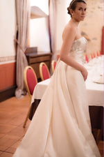 Load image into Gallery viewer, Fedora Wedding Dress, wedding dress, Bianca Miele London