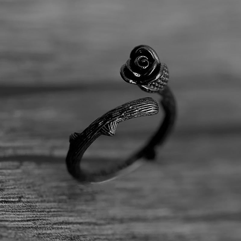 Adjustable Rose Ring in Gun Black