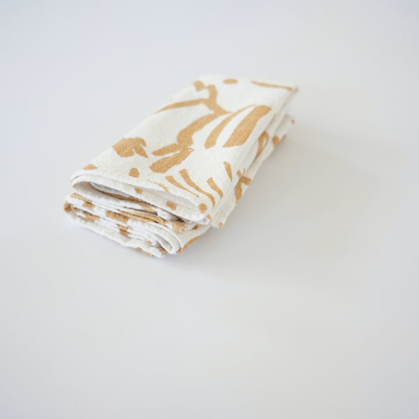 Everyday Napkins - Fold - Gold