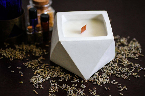 Triangle White Tea and Ginger Cement Candle