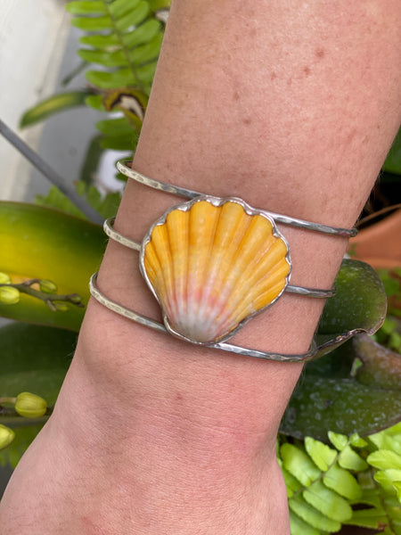 3 wire Sunrise shell cuff