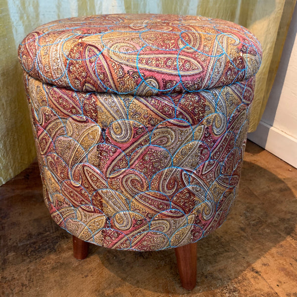 Stool with lid