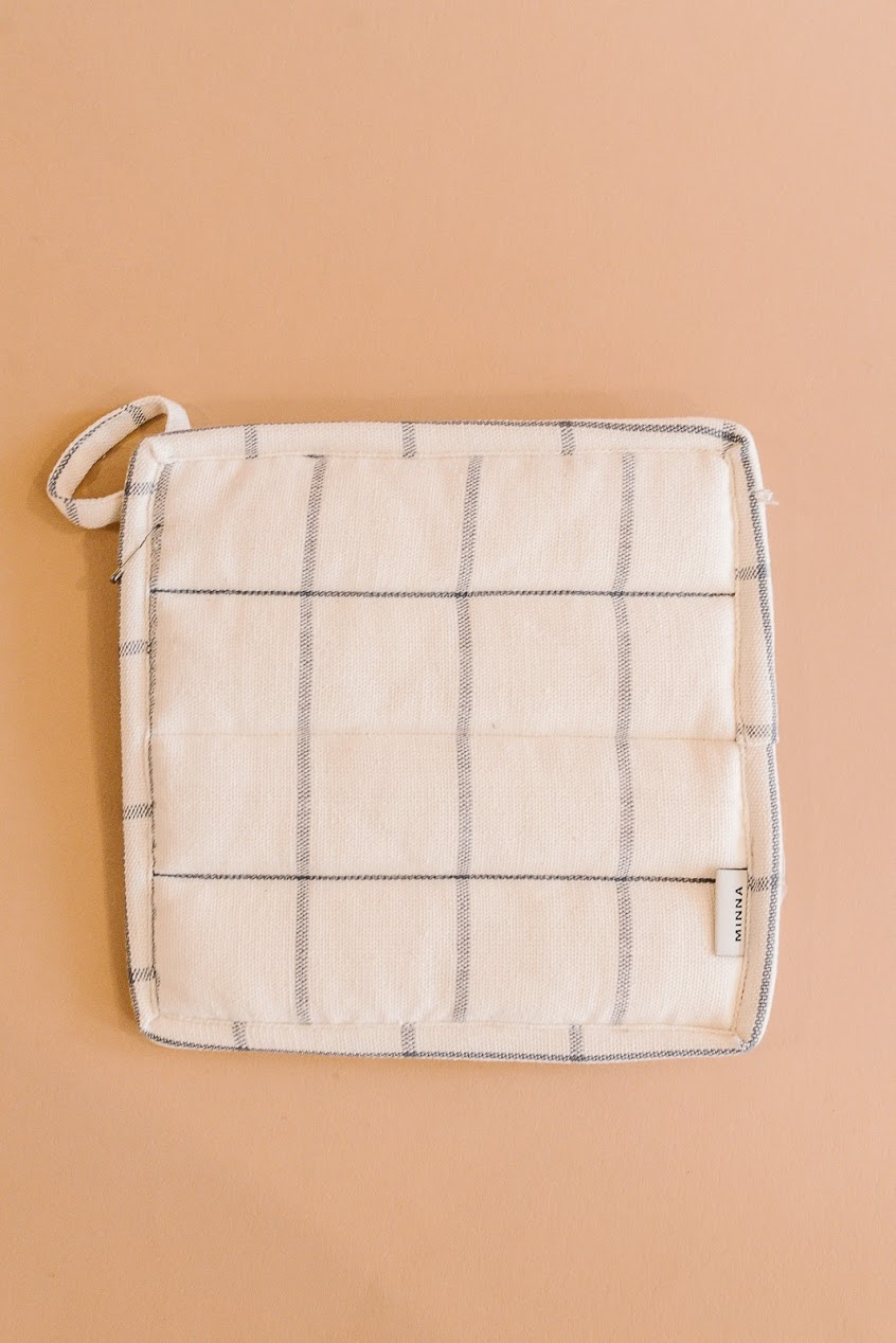 Grid Potholder Cream