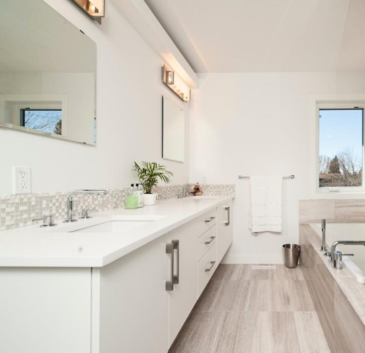 double white vanity with backsplash