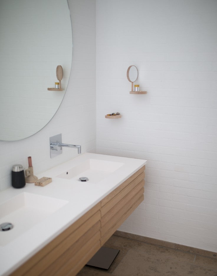 Bench vanity with round mirror