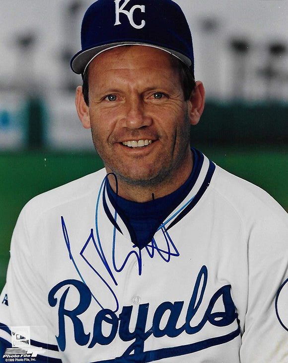 George Brett Kansas City Royals signed autographed, 8x10 Photo, COA will be included.