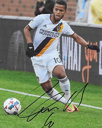 Giovani Dos Santos, Los Angeles Galaxy, signed, autographed, Soccer 8x10 Photo, Coa with the Proof Photo will be included