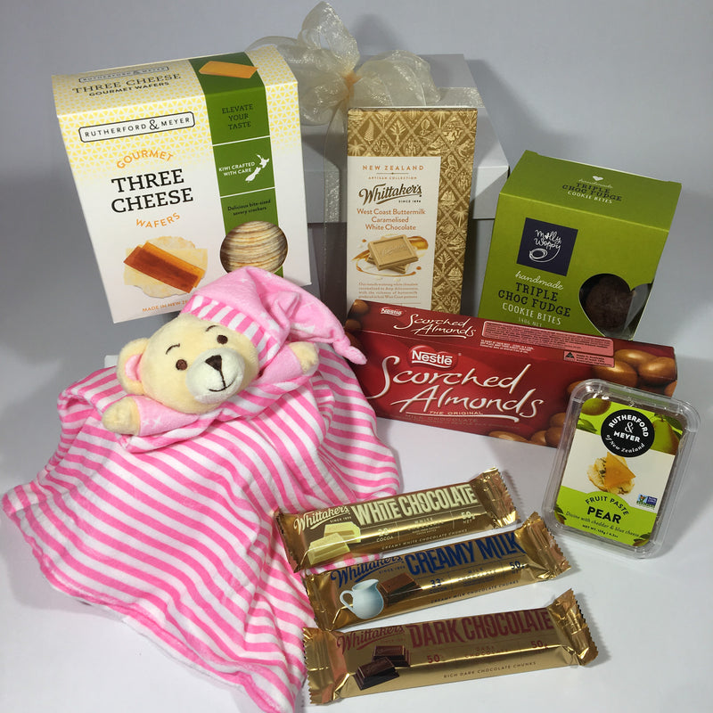 New born baby girl gift hamper
