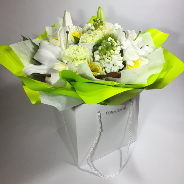 Flower gift bag with Porirua delivery
