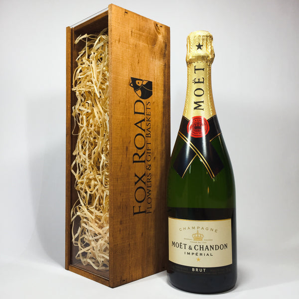 Bottle of Moet gift box for corporate clients