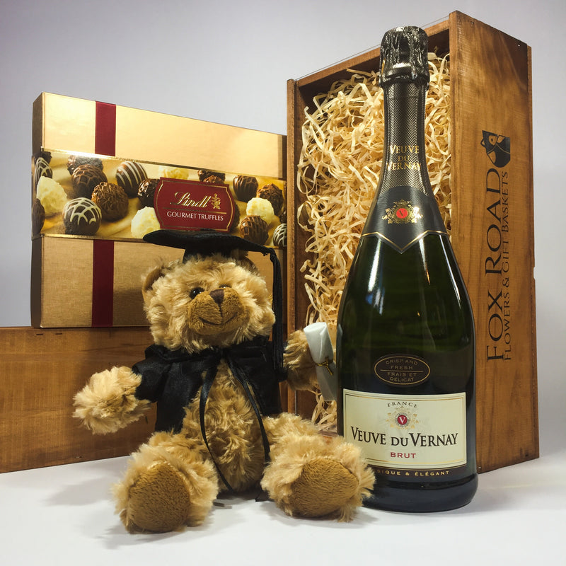 Graduation wine gift box with cuddly graduation bear