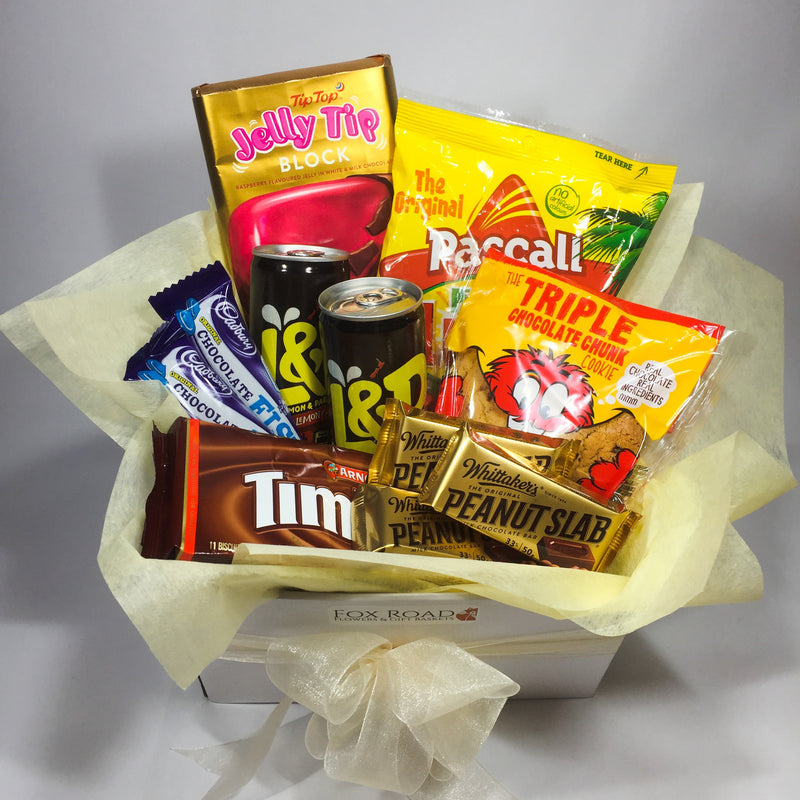 Kiwi Gift Box with Tim Tams, Jelly Tip Chocolate and more