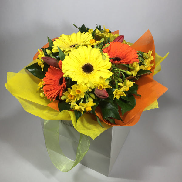 Bright Upper Hutt flowers being sent to wife for anniversary