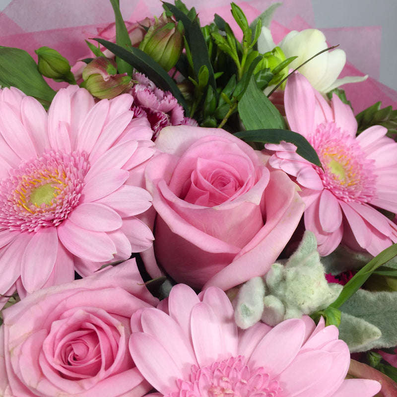 Soft colour flower bouquet online