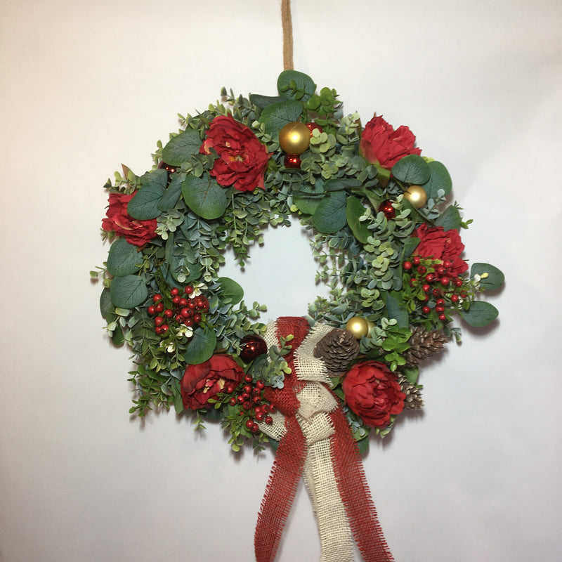 Realistic flowers, Christmas wreath