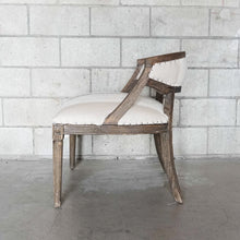 Load image into Gallery viewer, The Plaza Chair