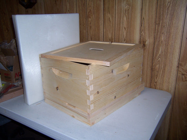 BZ02  Complete Deluxe 10 Frame Hive
