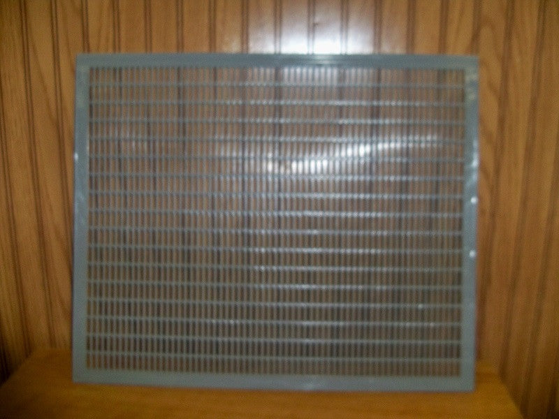 BZ54P Plastic Queen Excluder for 10 frame hive