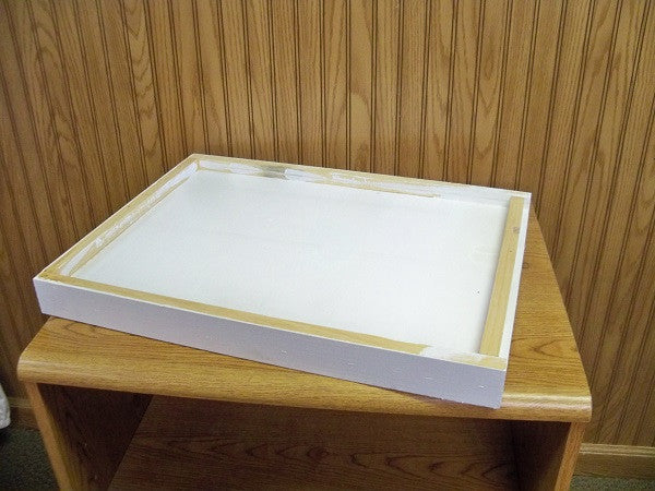 BZ96A Solid Bottom Board Assembled & Painted for 10 frame hive