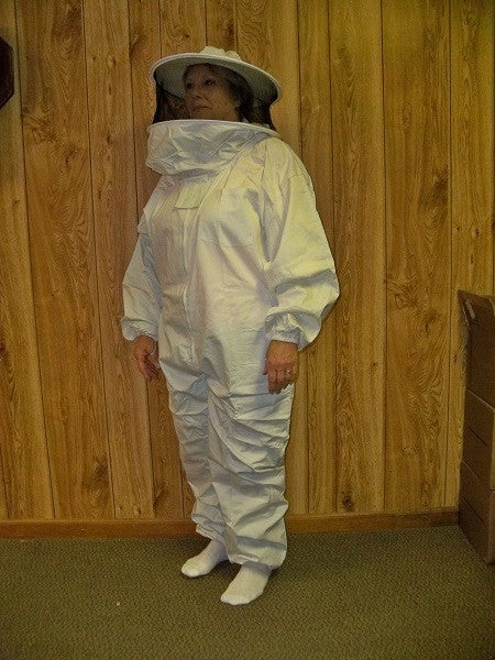 BZSTR  Beekeeping Suit with Round Hood and Veil