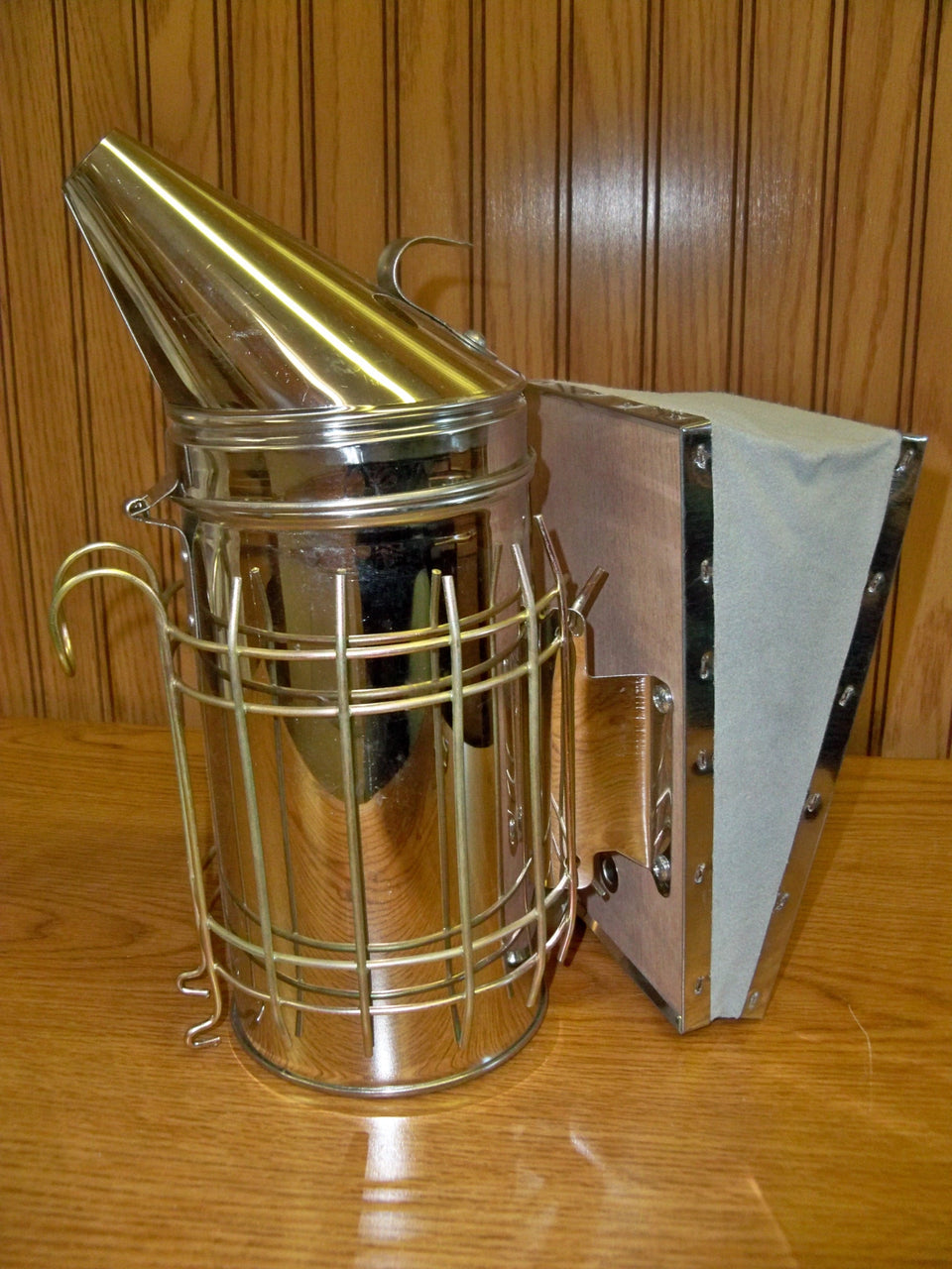 BZ58 Small Bee Hive Smoker with Shield