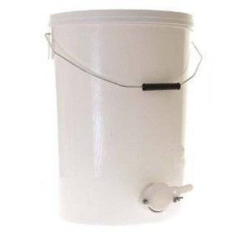 BZ49G  Bucket w/Lid & Honey Gate (5 gallon)