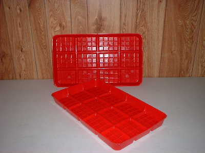 Poly tray for feeding chicks