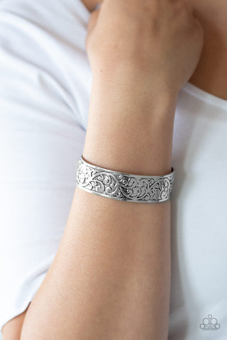 Read The VINE Print - Silver Bracelet