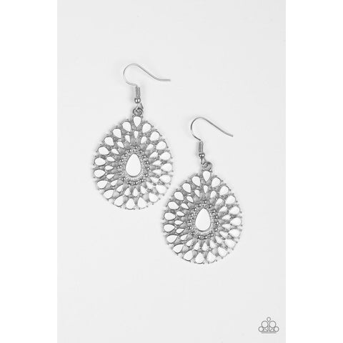 City Chateau – White Earrings