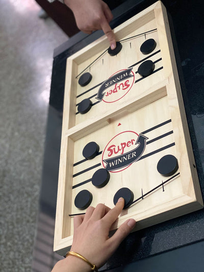 Slingz - Two-Player Puck Game