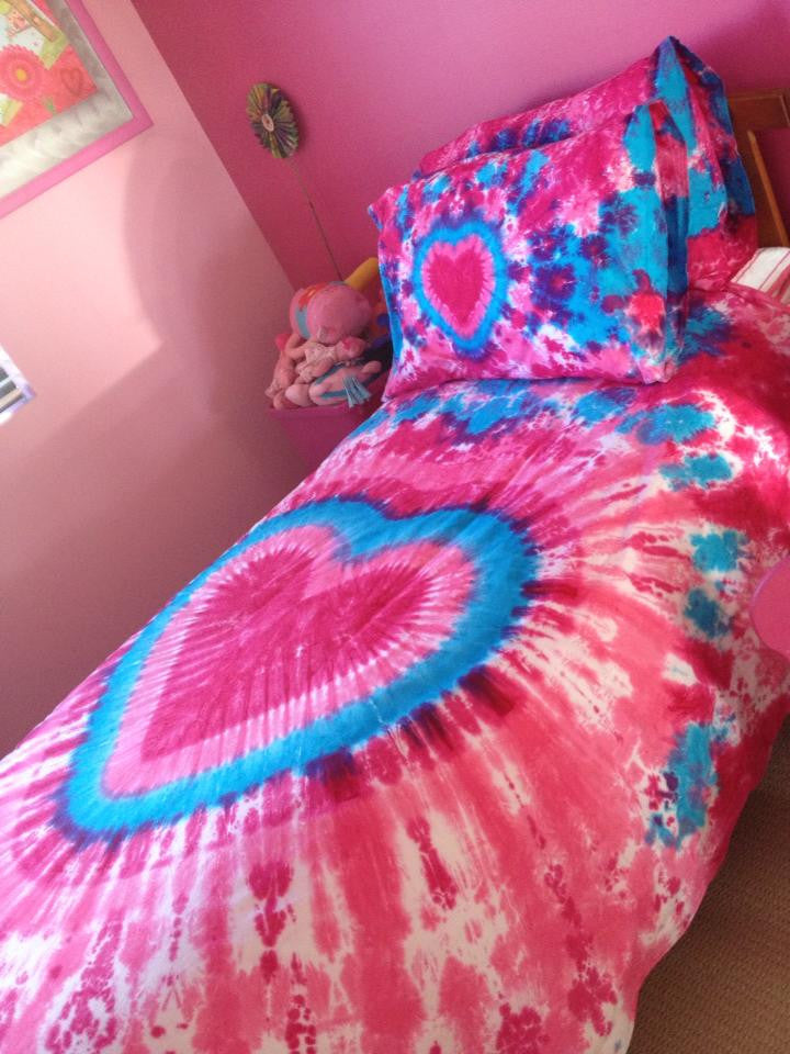 Pretty pink heart doona cover