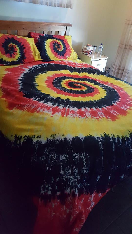 Indigenous doona cover. (red, yellow, black)