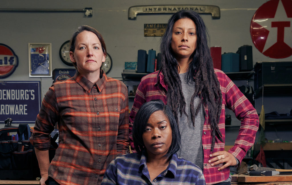 Britt Eleni and Isis in Dovetail Workwear Givens Workshirt in Stretch Flannel