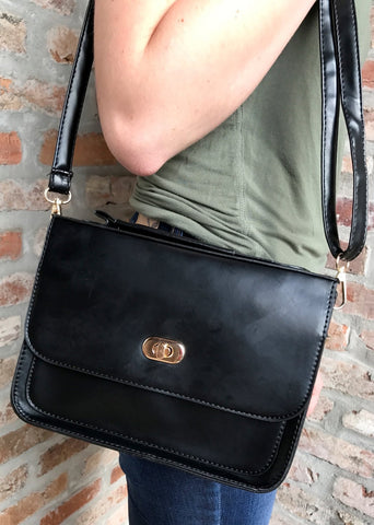 Bragg Crossbody in Black - Biology Boutique