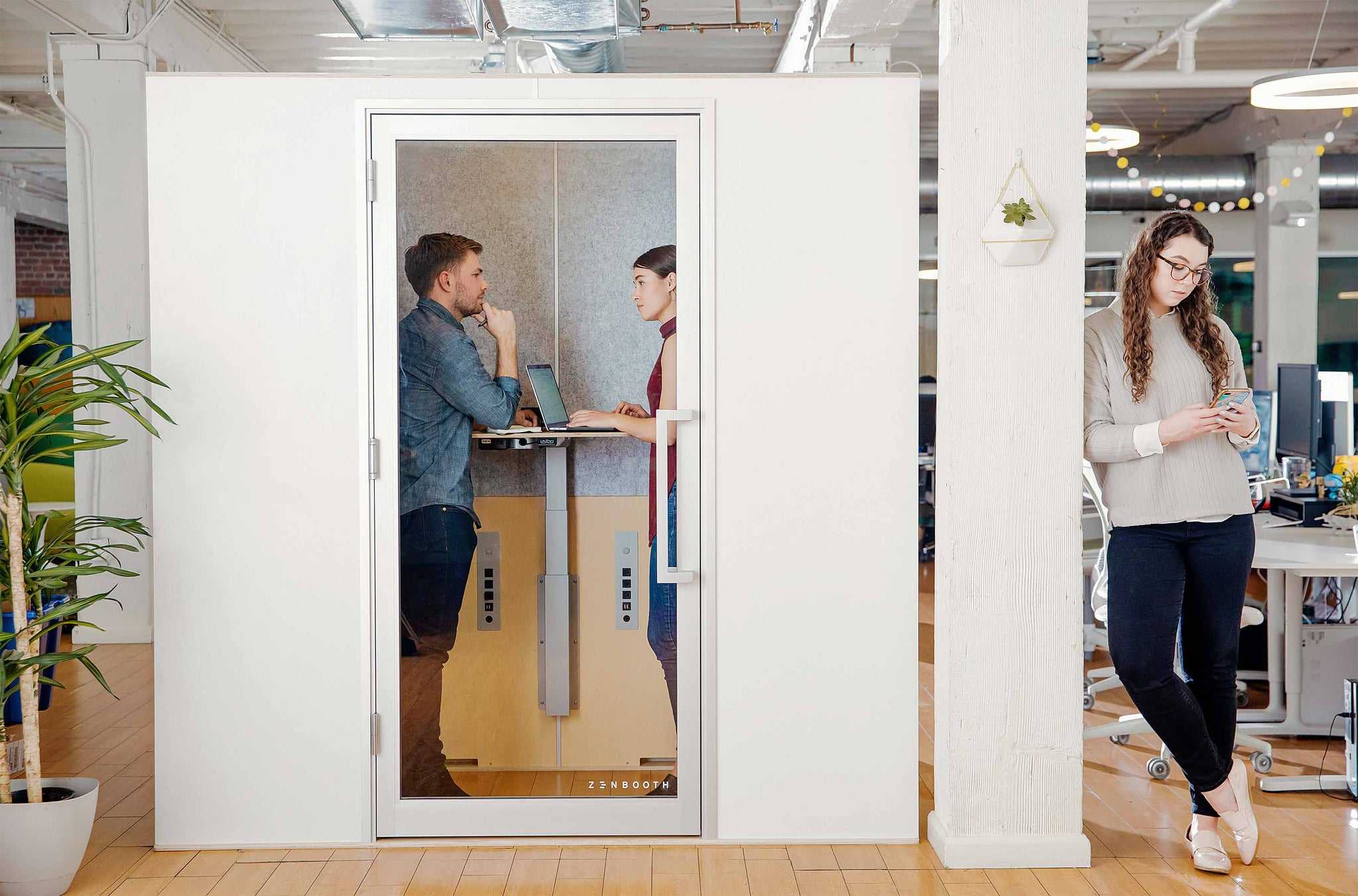 Zenbooth Duo Meeting Pod in Office | Office Phone Booths