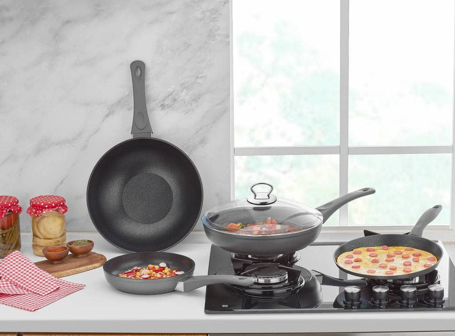 5 PIECE  FRY PAN SET