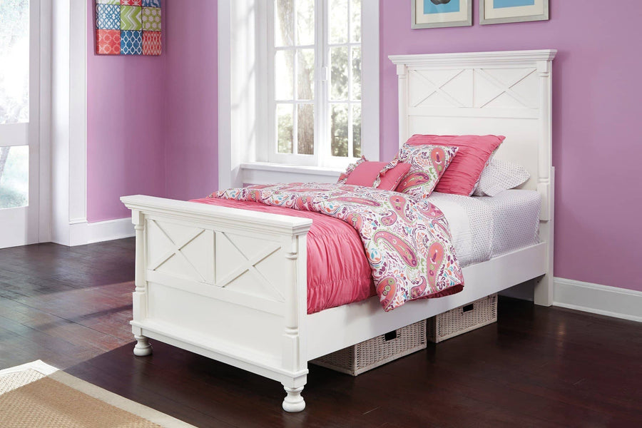 White Kaslyn Panel Bed