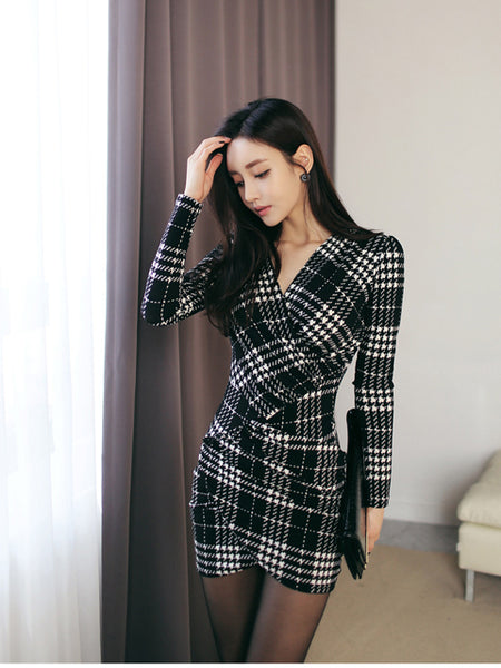 TAHKI SLIM PLAID DRESS