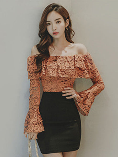 SHAEL TRUMPET SLEEVE LACE TOP