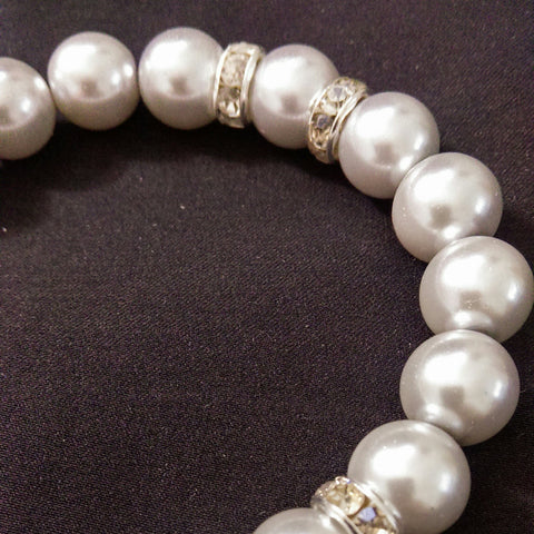 Silver Faux Pearl Stretch Bracelet // Glass Beaded Bracelet