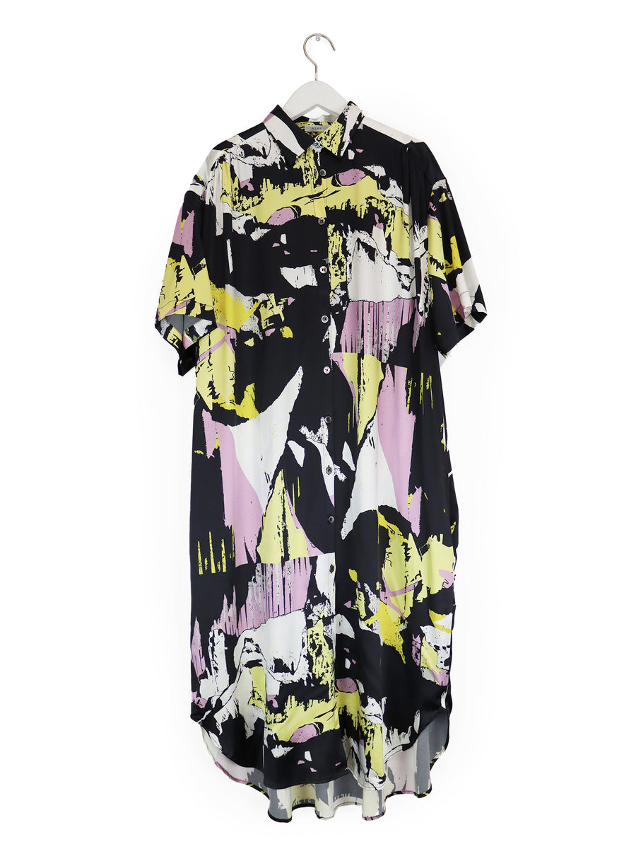 Oversized Shirtdress in Black 'Torn' Print