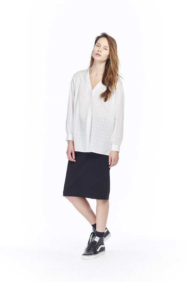 NT159 Peasant Shirt - White, NS022J Stretch pencil skirt - Black