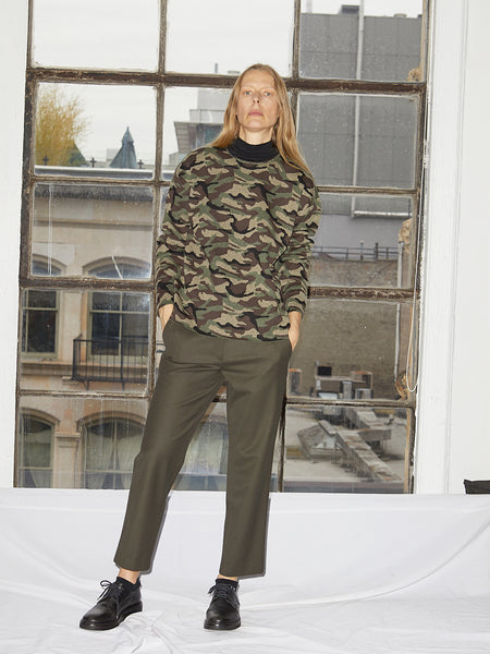 Wool Gabardine Relaxed Pant in Army