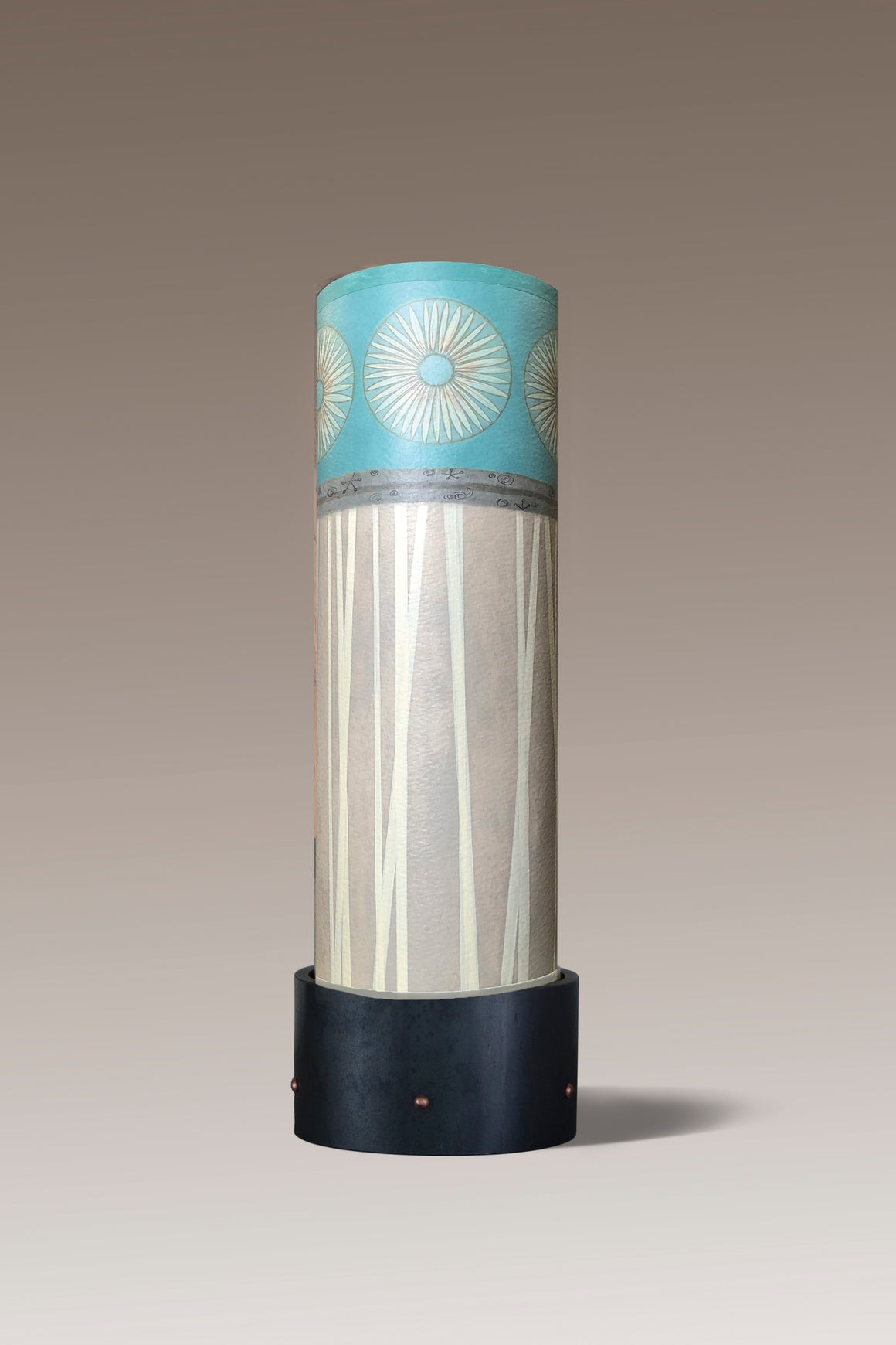 Luminaire Accent Lamp with Pool Shade